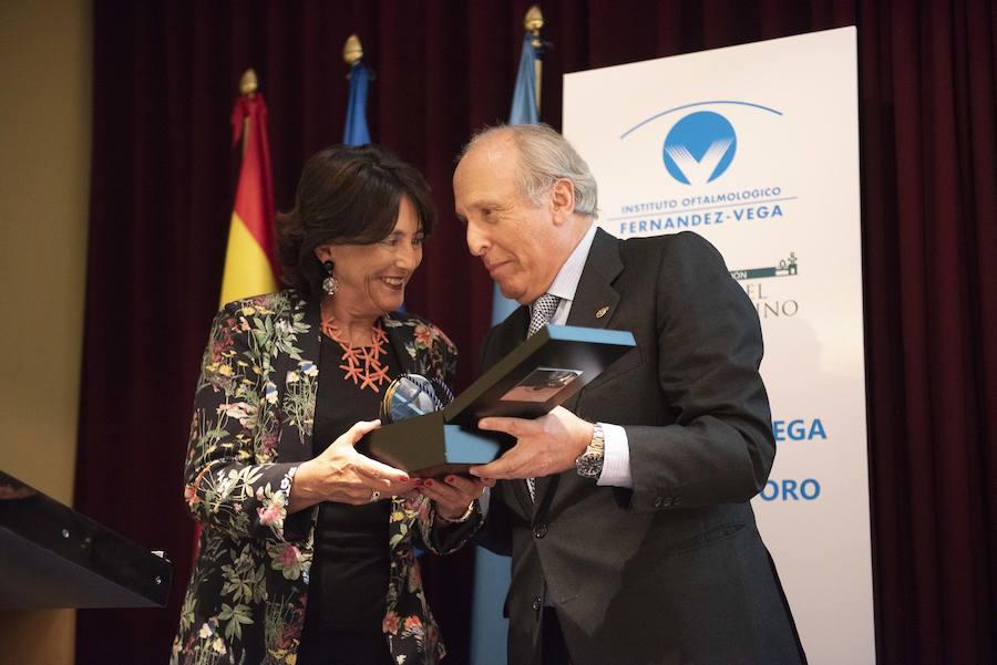 La Fundación Fernández-Vega entrega su medalla de oro a la Fundación Rafael del Pino