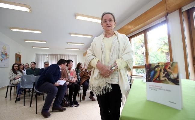 Amelia Valcárcel: «La indignación se construye»
