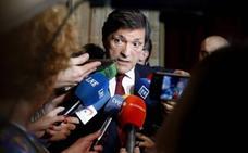 Fernández propone una descarbonización «paulatina» frente a la inmediata de Ribera