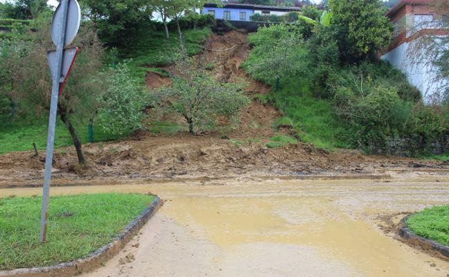 Carreteras se hará cargo de las obras para reparar los argayos de El Puntal