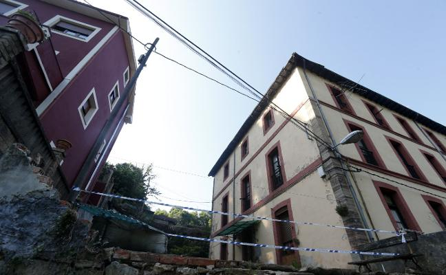 Bomberos concluye que las dos casas de Trubia son «inhabitables» tras las lluvias