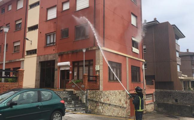 Incendio sin heridos en una vivienda del centro de Llanes