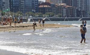 Fade advierte de que no es momento de «hacer política» con la playa de Gijón