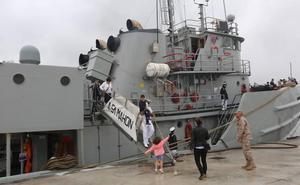 El remolcador de la Armada Mahón abre sus puertas