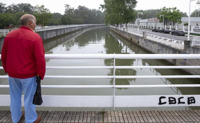 El Ayuntamiento de Gijón asegura que la Confederación lleva desde 2012 sin atender la limpieza de ríos