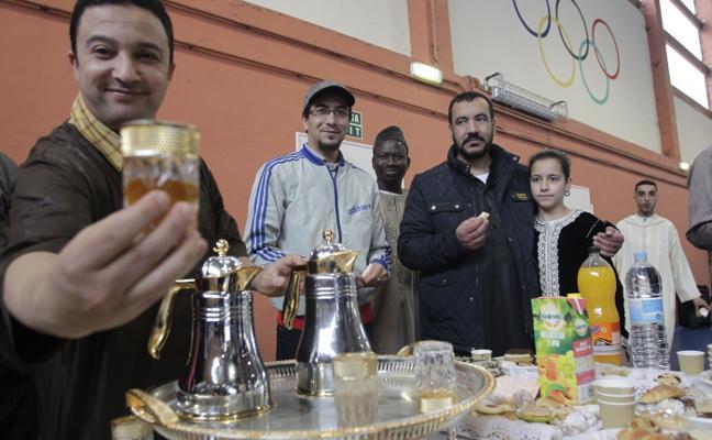 Una celebración en Oviedo por el fin del Ramadán