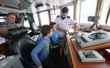 La Armada abre al público el remolcador 'Mahón'