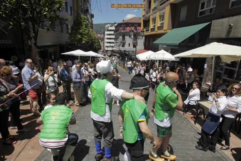 Carrera en madreñas de Gascona