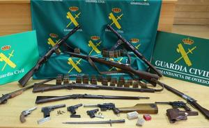 La Guardia Civil interviene un arsenal de armas de guerra y cartuchos en Mieres