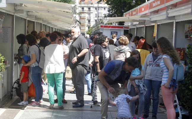 La Feria del Libro de Gijón consolida ventas y público