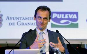 Pedro Duque: «Tenemos que mejorar el sistema de becas»