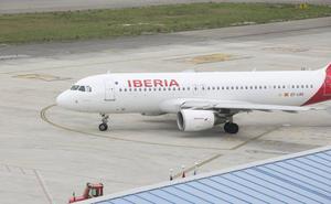 Iberia cancela un vuelo entre Asturias y Madrid tras casi cuatro horas de espera