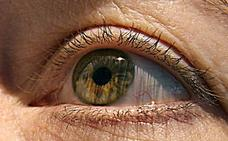 Crean un robot que diagnostica enfermedades por el movimiento de los ojos