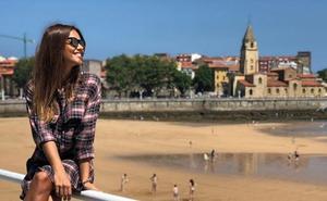Lara Álvarez disfruta de San Lorenzo