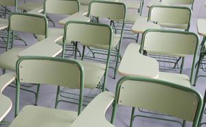 Acusan a un profesor del IES de Blimea de vejar y amenazar a los niños
