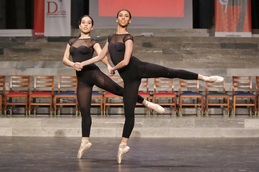 Entrega de diplomas a 24 alumnos del Conservatorio de Música y Danza de Gijón