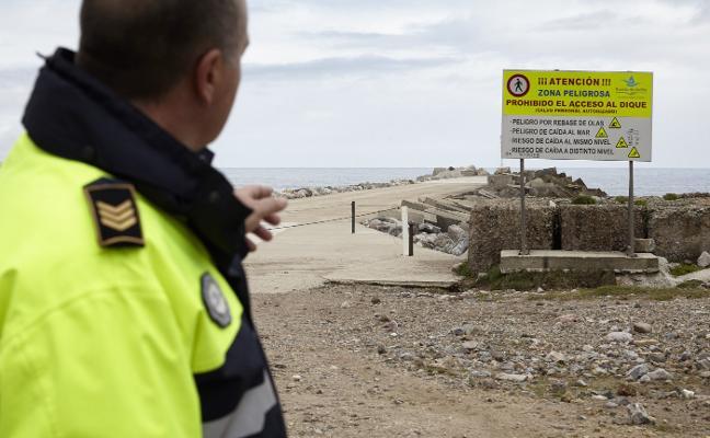 El Puerto tipifica como falta muy grave el acceso al espigón con multa de 300 euros