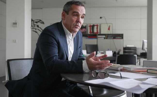 Vicente Domínguez abre mañana un nuevo ciclo en el Aula de Cultura de LA VOZ