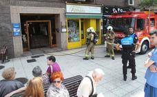 El incendio de una sartén obliga a desalojar un edificio en la avenida de Santander