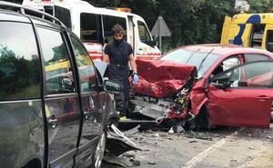 Fallece una joven de 23 años en una brutal colisión en Cangas de Onís