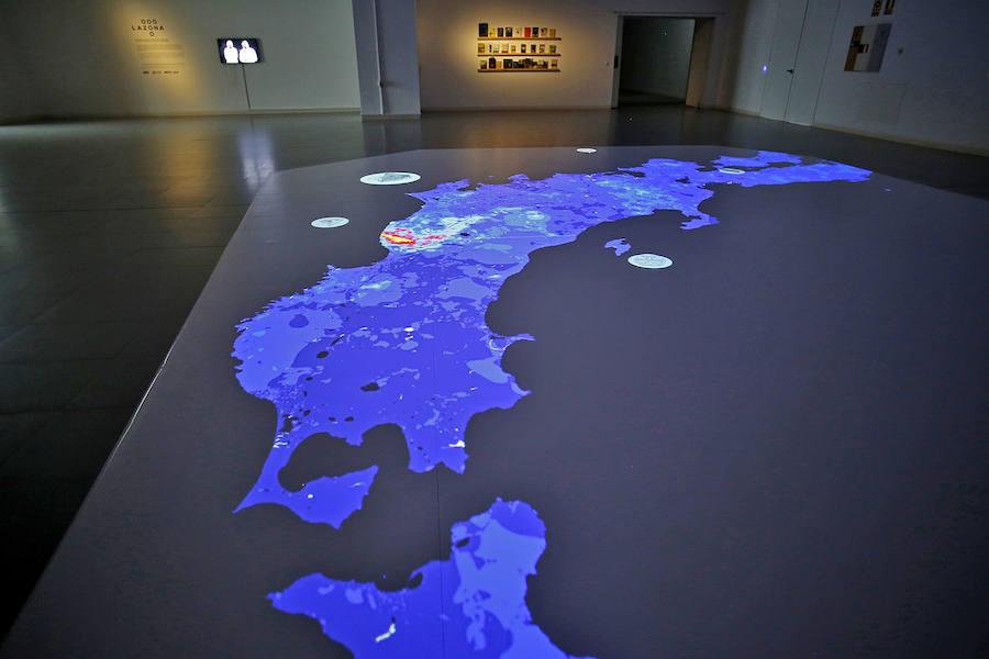 Instalación artística interactiva La Zona en Laboral Centro de Arte
