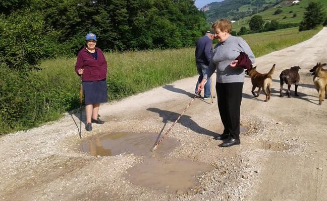 Vecinos de Cabrales piden mejoras en el camino de Pescandi a Piedragoneru