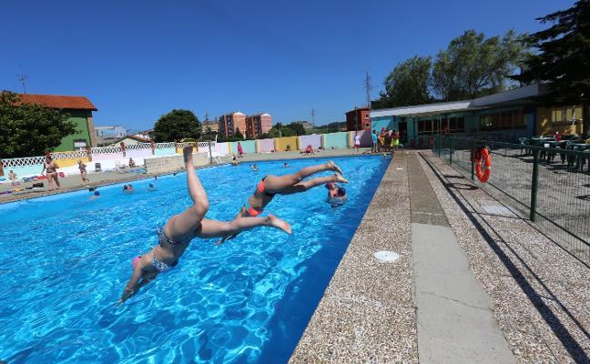 Las piscinas de Trasona inician la temporada
