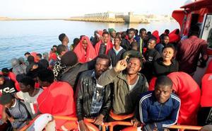 Casi mil inmigrantes rescatados el fin de semana en las costas españolas