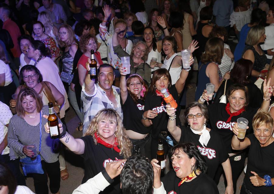 Multitudinario fin de fiesta de la discoteca El Jardín