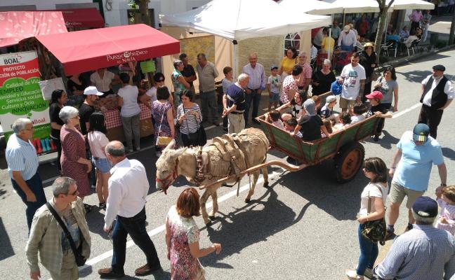 Boal reivindica su mercado de los domingos