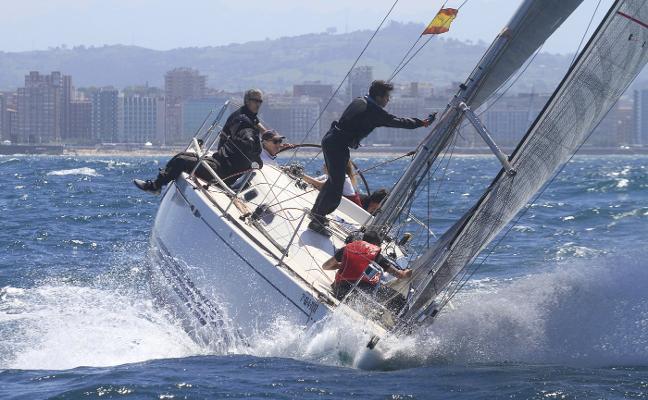 El 'Great Sailing' domina en la bahía