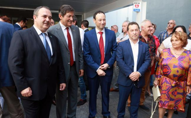 El homenaje a Fernández en Mieres visibiliza las tensiones que aún persisten en el PSOE