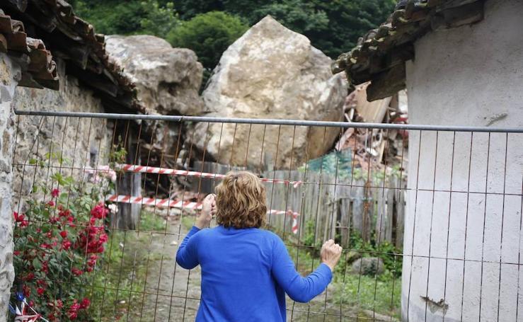 Así está la localidad lenense de La Cortina tras el descomunal argayo