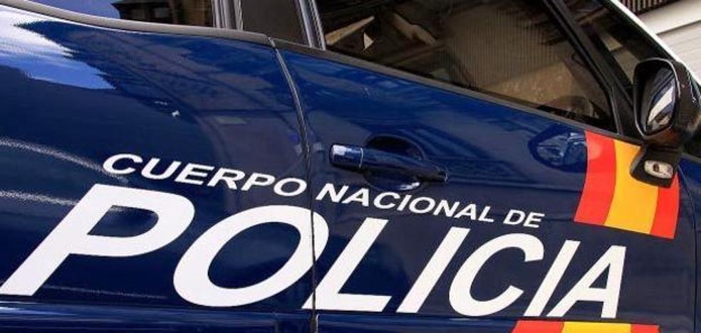 Detenido en La Corredoria tras masturbarse delante de dos menores de edad