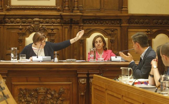 Foro y PSOE se acusan mutuamente de las carencias en el saneamiento de Gijón