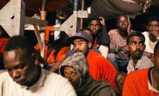 La UE logra un acuerdo migratorio de mínimos para contentar a Italia y salvar a Merkel