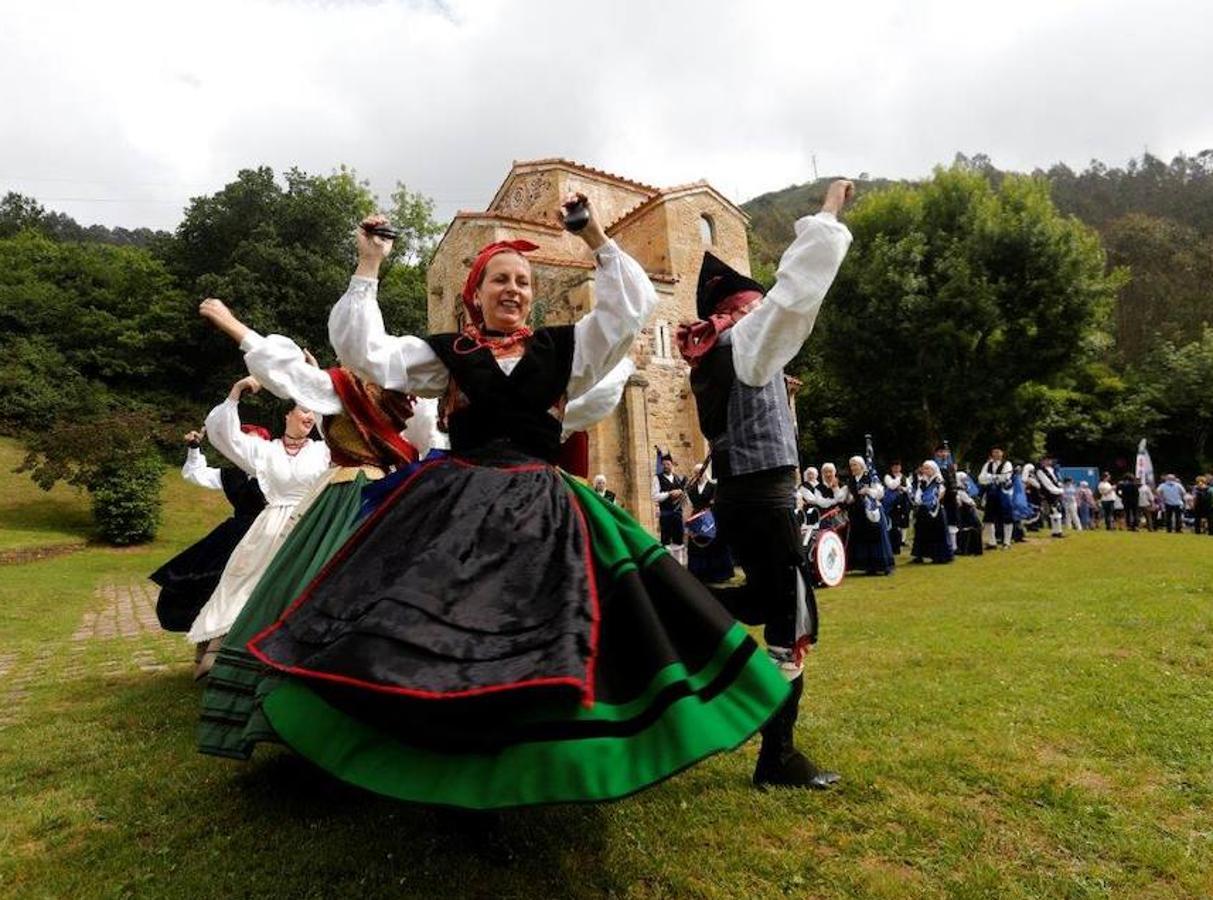 Oviedo, de jira en el Naranco