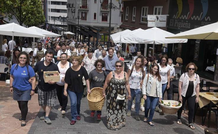 Mil firmas en Gascona para defender el mercado tradicional