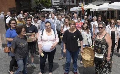 Gascona recoge mil firmas contra el «ataque» al mercado tradicional asturiano