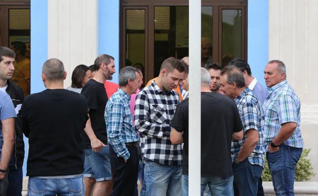 «No sabemos qué le pasó», lamentan los compañeros del motorista avilesino fallecido en Vigo