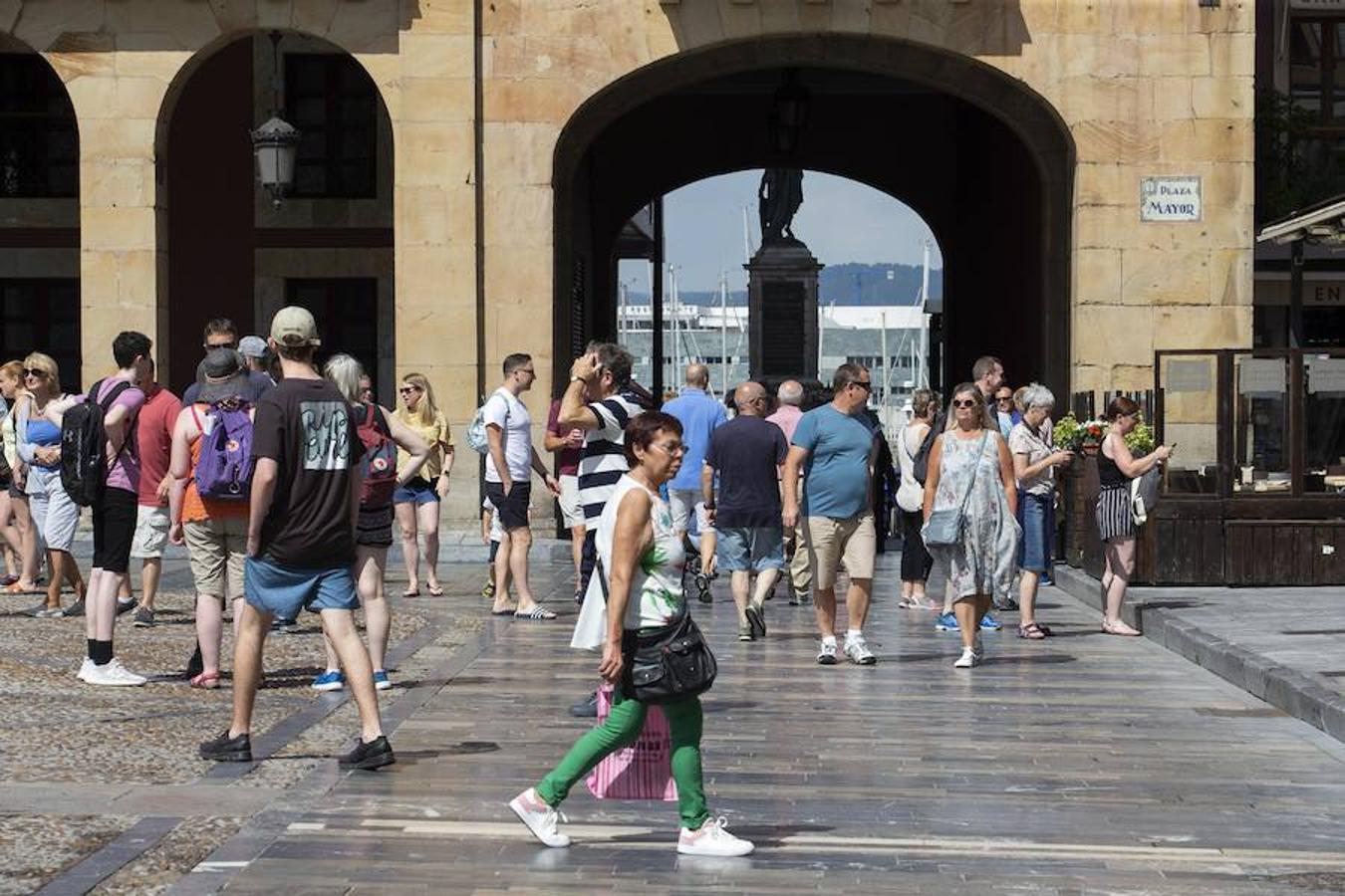 Jornada de calor en Asturias pese a la amenaza de tormentas