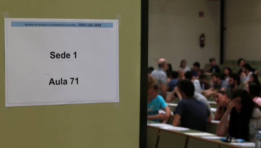 Un millar de alumnos asturianos se enfrentan a la EBAU extraordinaria