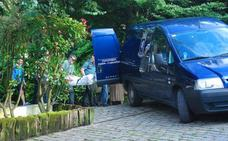 Encuentran el cadáver de una mujer en el céntrico parque de Les Conserveres de Candás