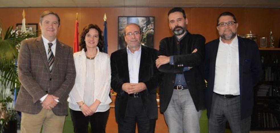 El jefe de la Policía Local de Oviedo organizó una visita al sistema investigado por amaños