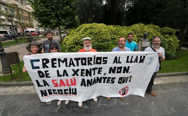 La plataforma contra el crematorio de la Pola irá a la vía judicial si no se retira el horno