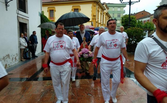 San Fermín llega para revolucionar Infiesto durante una semana