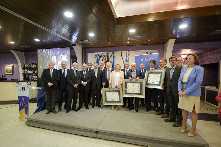 Amigos de Cudillero premia la asturianía con sus Amuravelas de Oro