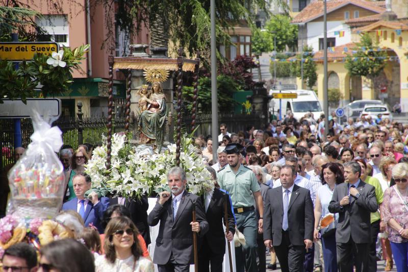 Colunga homenajea a la Virgen de Loreto