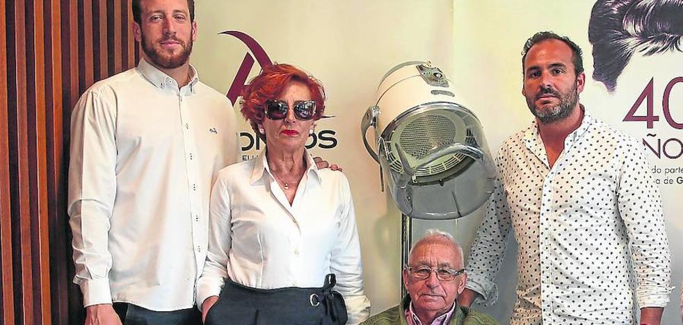 Fallece a los 93 años Ángel Alonso, creador de las peluquerías Alonsos