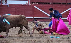 Padilla sufre una espantosa cogida en Arévalo